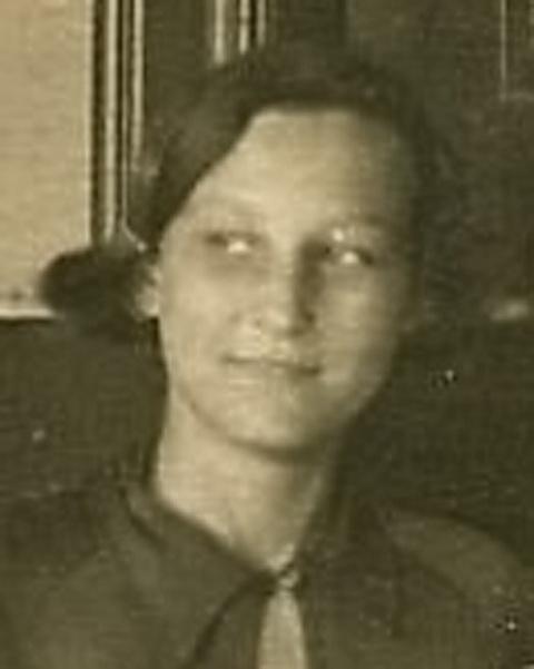 1937 год. Зоя Космодемьянская, фрагмент общей фотографии.